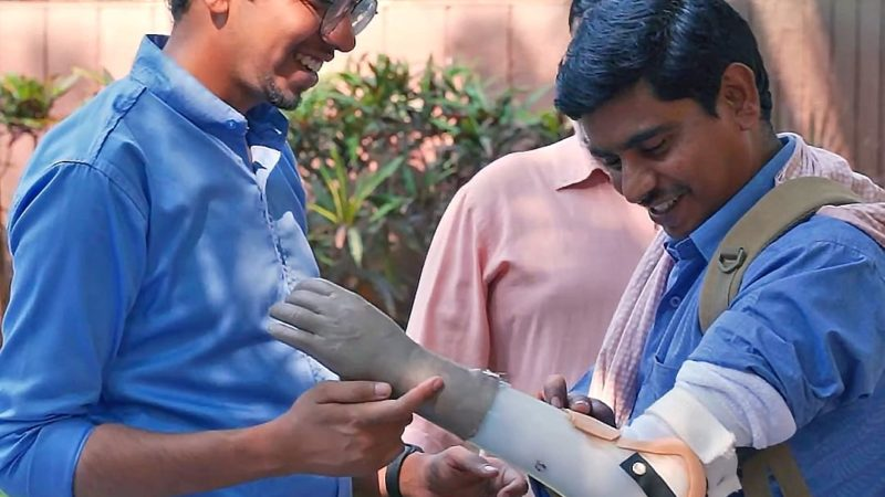 Prashant Gade To Provide Prosthetic Arms For Free