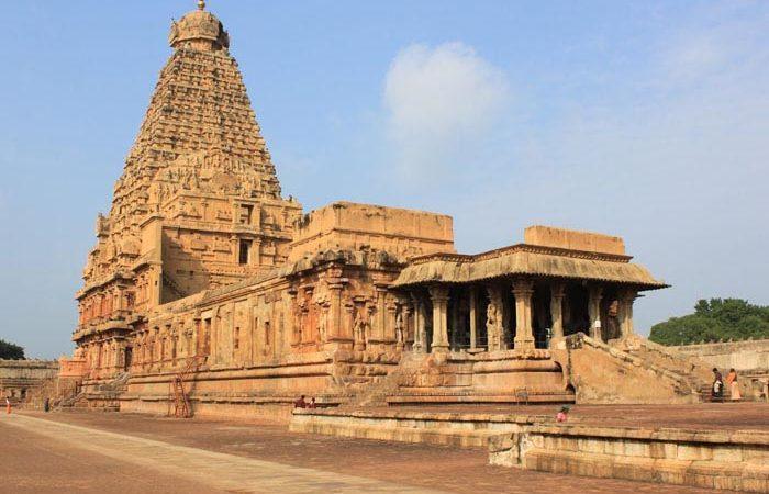 brihadeeswarar temple history